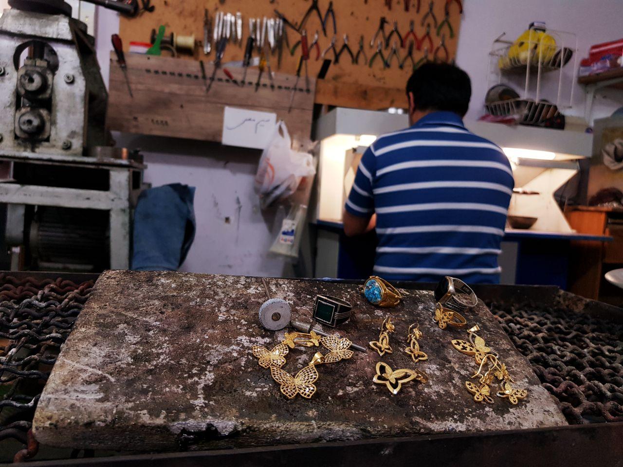 کارگاه ساخت طلا و جواهر