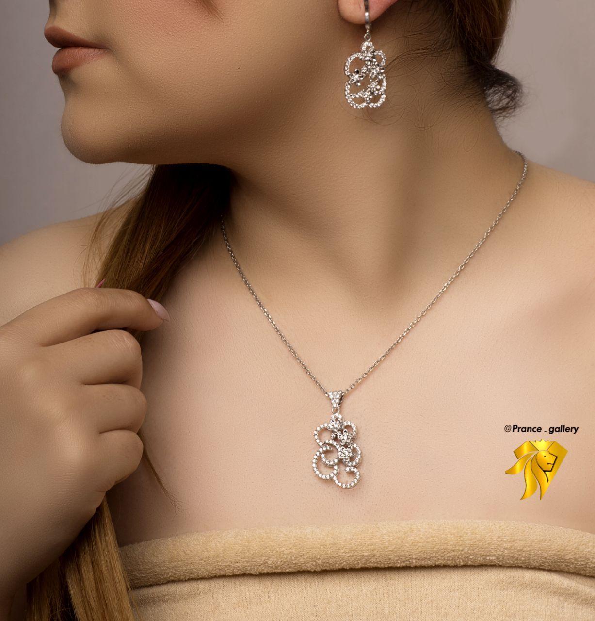 نیم ست جواهری گل نقره روکش طلا سفید
