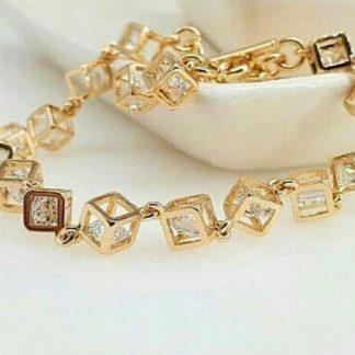 دستبند جواهری معکعبی نگین اتم اتریش