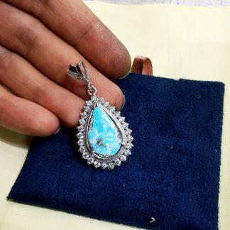 مدال فیروزه اصل نیشابوری دور جواهری