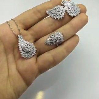 نیم ست جواهری نقره روکش طلا سفید با نگین شفاف