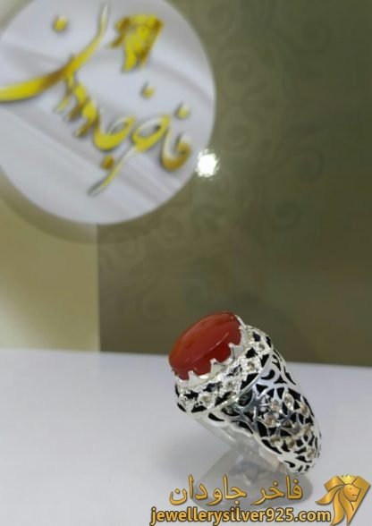 انگشتر مردانه گل لاله عقیق یمنی قلم زنی آینه کاری