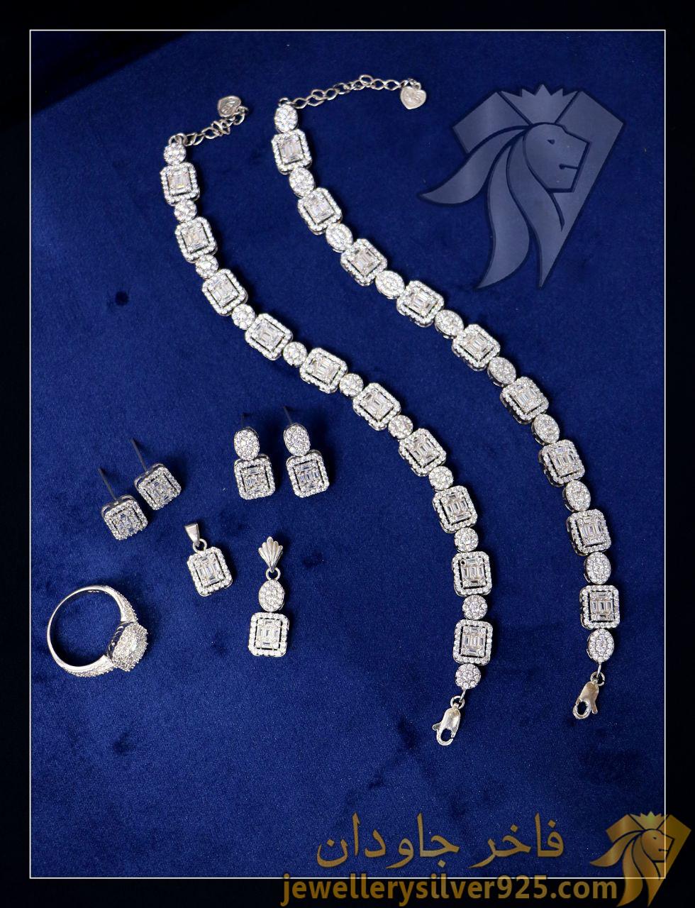 دستبند طرح جواهر نقره روکش طلا سفید
