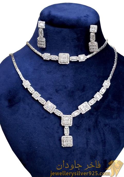 سرویس جواهری نقره روکش طلا سفید وزن 35 گرم