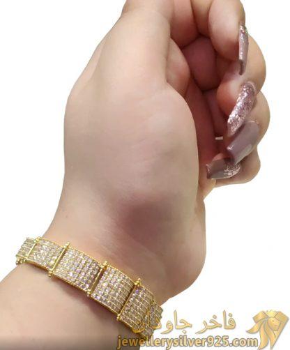 دستبند کونیک جواهری طرح الماسی تصویر دوم