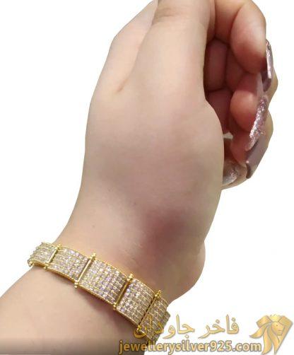 دستبند کونیک جواهری طرح الماسی تصویر سوم