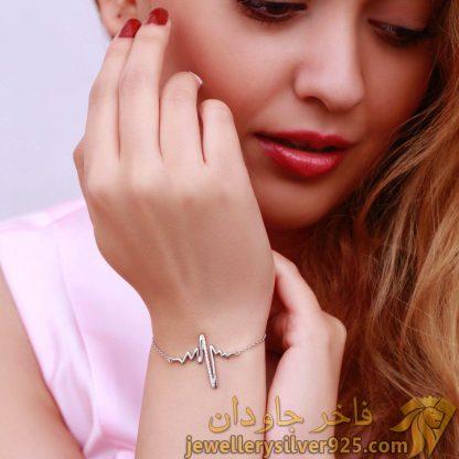 دستبند جواهر نقره روکش طلا سفید طرح ضربان قلب